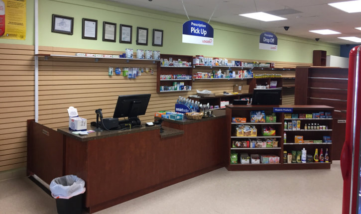 north oaks pharmacy front desk